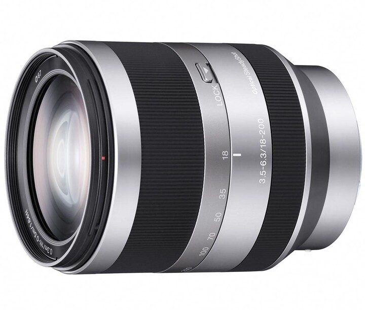 Sony 18–200mm f/3.5–6.3 OSS