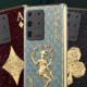 Špičkové telefony proměnili na hrací karty
