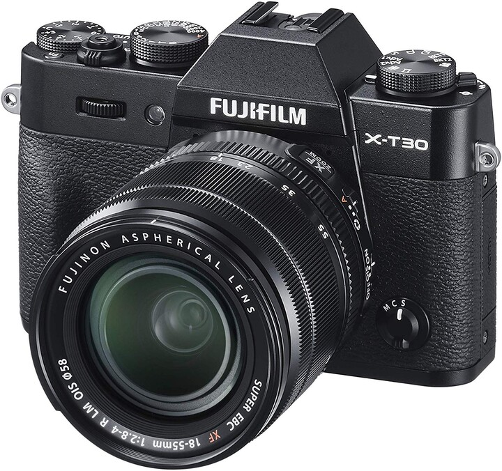 Fujifilm X-T30 + objektiv XF18-55 mm, černá