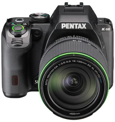 Pentax K-S2, černá + DA 18-135mm WR