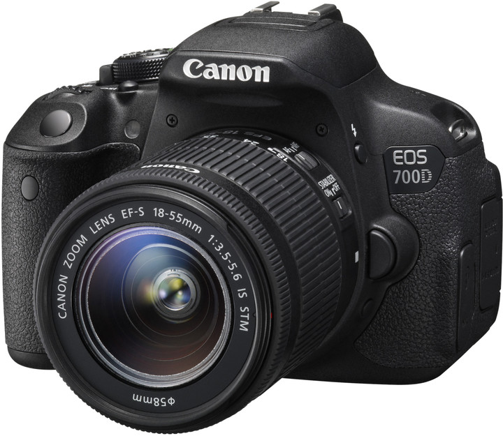 Canon EOS 700D + 18-55mm DC III
