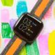 Ovládání hlasem a pětidenní výdrž. Fitbit láká na nové chytré hodinky