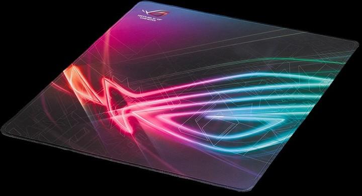 Podložka pod myš Asus ROG STRIX EDGE v hodnotě 799 Kč