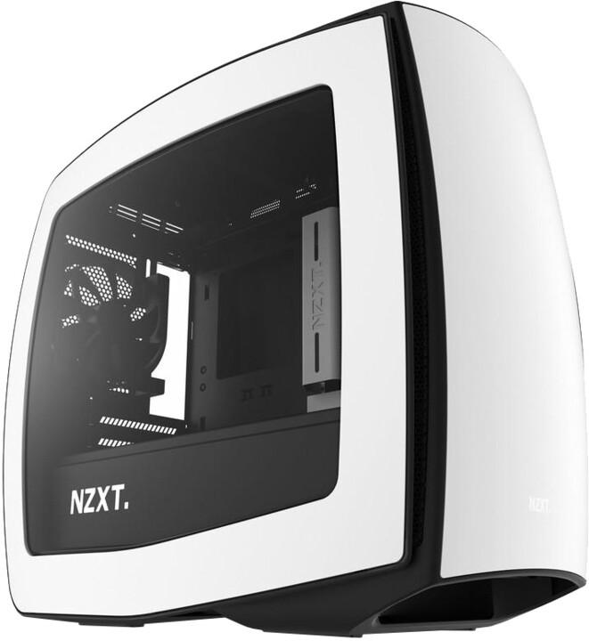 NZXT Manta, bílo-černá, okno