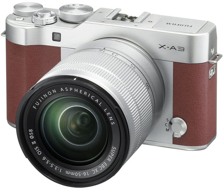 Fujifilm X-A3 + XC 16-50mm, stříbrná/hnědá