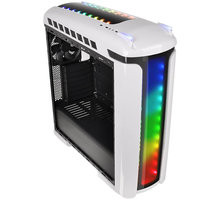 Thermaltake Versa C22, okno, snow edition