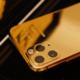 Sohebnými mobily to nevyšlo? Escobar láká na zlatý iPhone 11 Pro za 11990 Kč