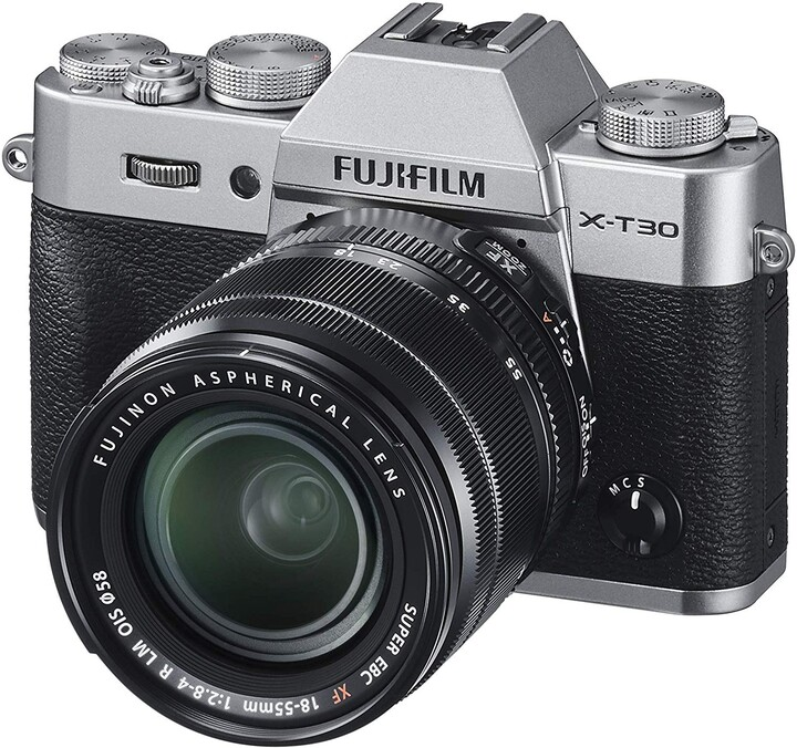 Fujifilm X-T30 + objektiv XF18-55 mm, stříbrná