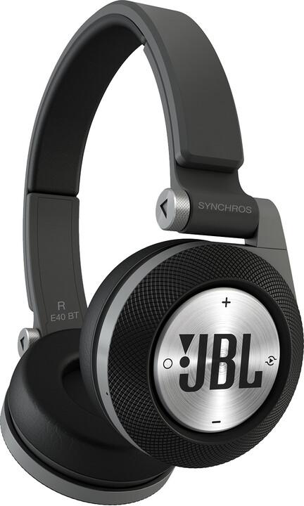 JBL E40, černá