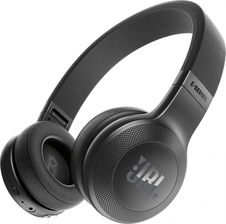 JBL E45BT, černá
